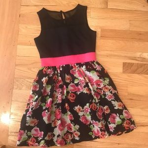 Girls beautiful dress great material worn once
